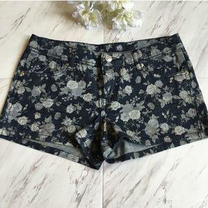 Delia's | Denim Floral Jean Shorts, Juniors Size 3